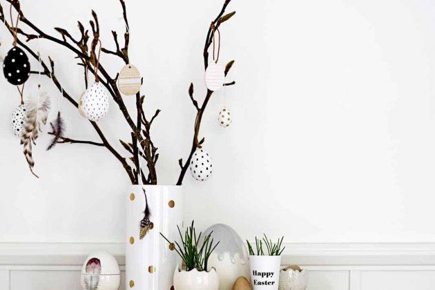 stilvolle Osterdeko mit Eiern und Vasen