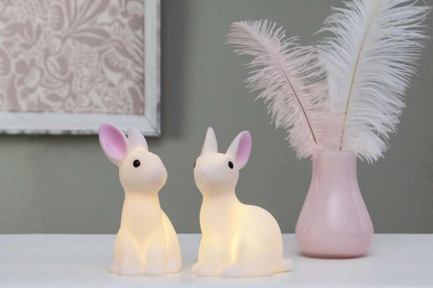 Lampen in Hasenform als Demo zu Ostern
