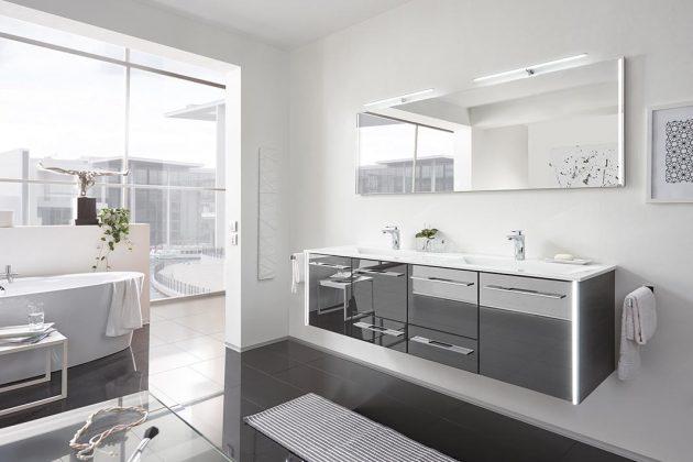 Schwarz-weißes Badezimmer
