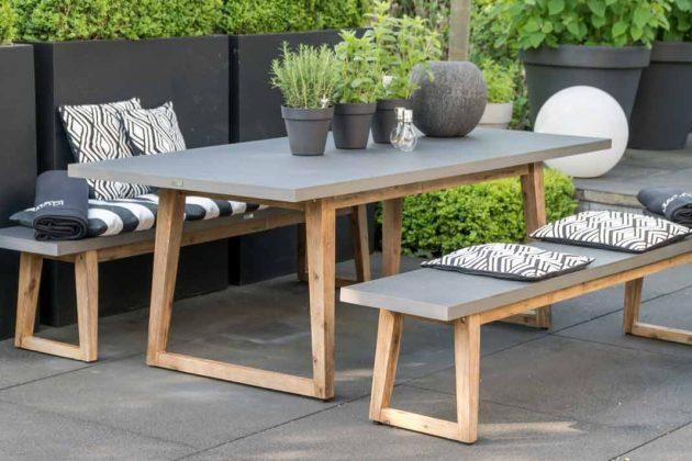 Gartentisch mit zwei Bänken aus Fiberzement in Betonoptik für die ganze Familie.