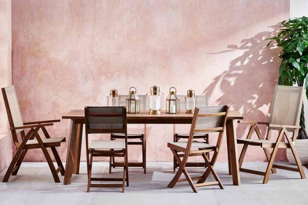 Gartenmöbel aus Akazienholz mit Textilbespannung