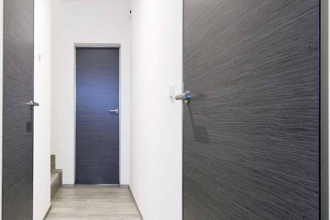 Zimmertüren sorgen für hübschen Kontrast