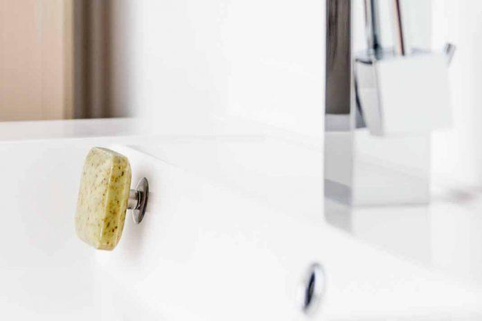 Seifenhalter mit Magnet sorgt für Ordnung
