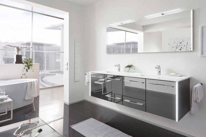modernes Bad mit minimalistischem Design