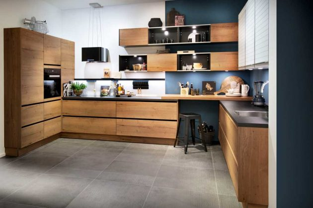 Küche in Trendfarbe Alteiche Natur