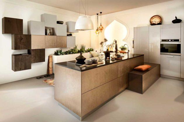 Moderne Küchen wie diese in Bronze erinnern an 1001 Nacht und gehören definitiv zu den Trends 2019.