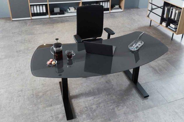 Dezenter Schreibtisch