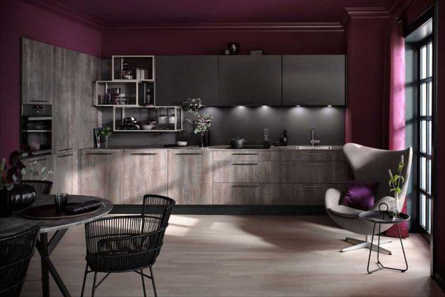 Küchen in dunklen Farben mit auffälliger Wandgestaltung sind einer der Trends 2019.