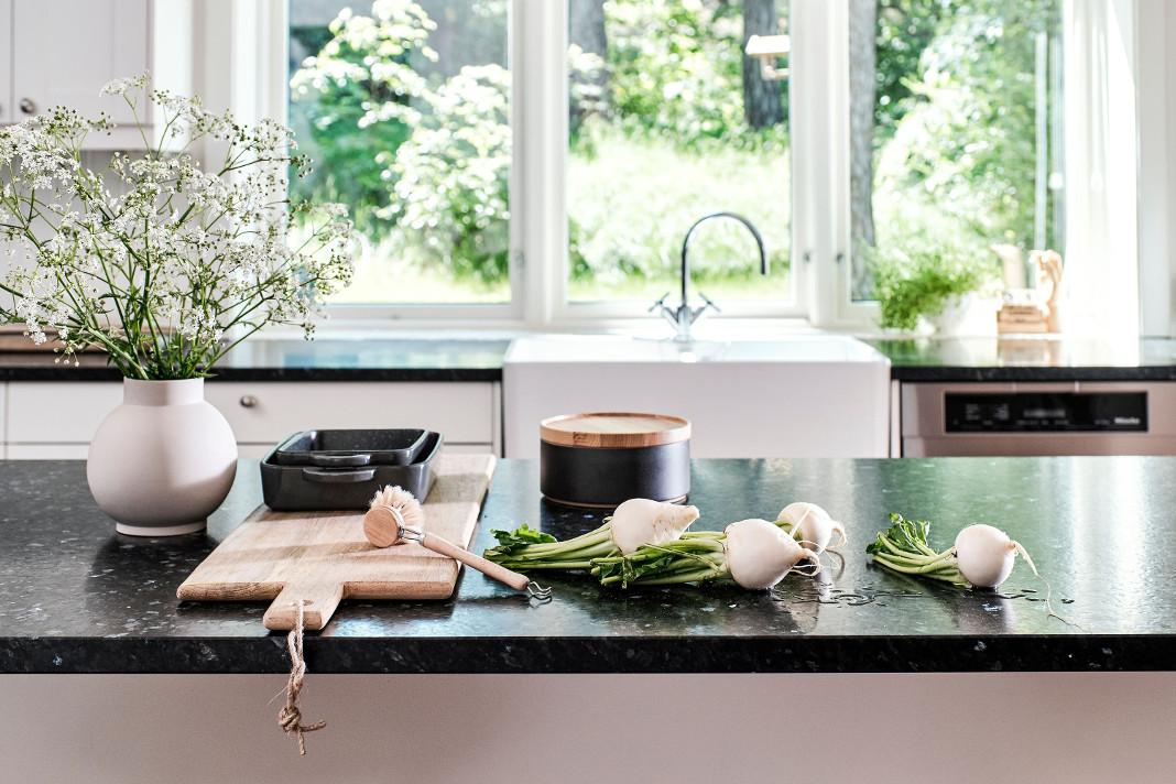 Küchenarbeitsplatte in Schwarz - Modell Lundhs Emerald Silk