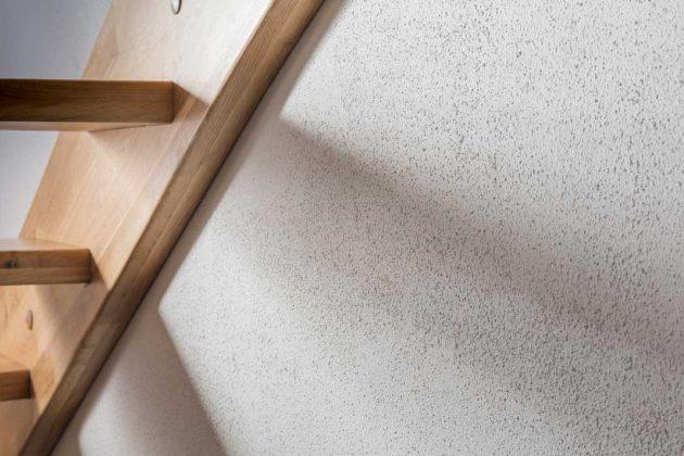Zeitlose Strukturierung mit Rollputz für Innen