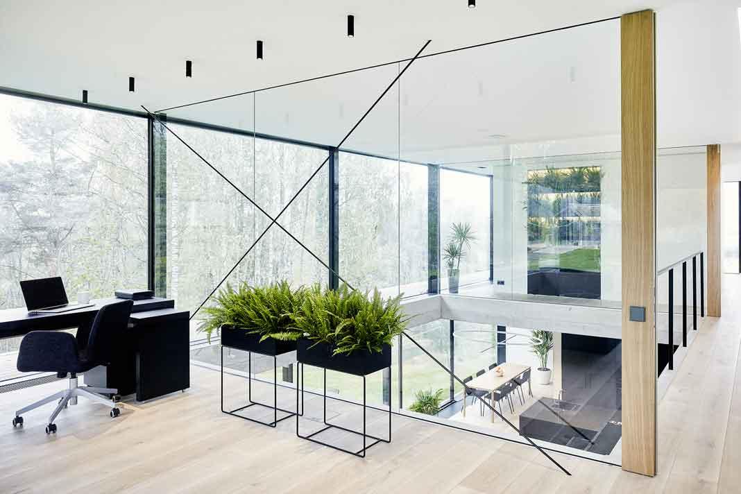 Festverglasung und Panoramafenster im ganzen Haus