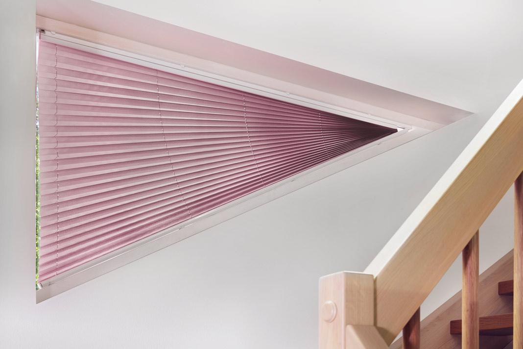 Sonnen- und Sichtschutz für die Fenster im Flur