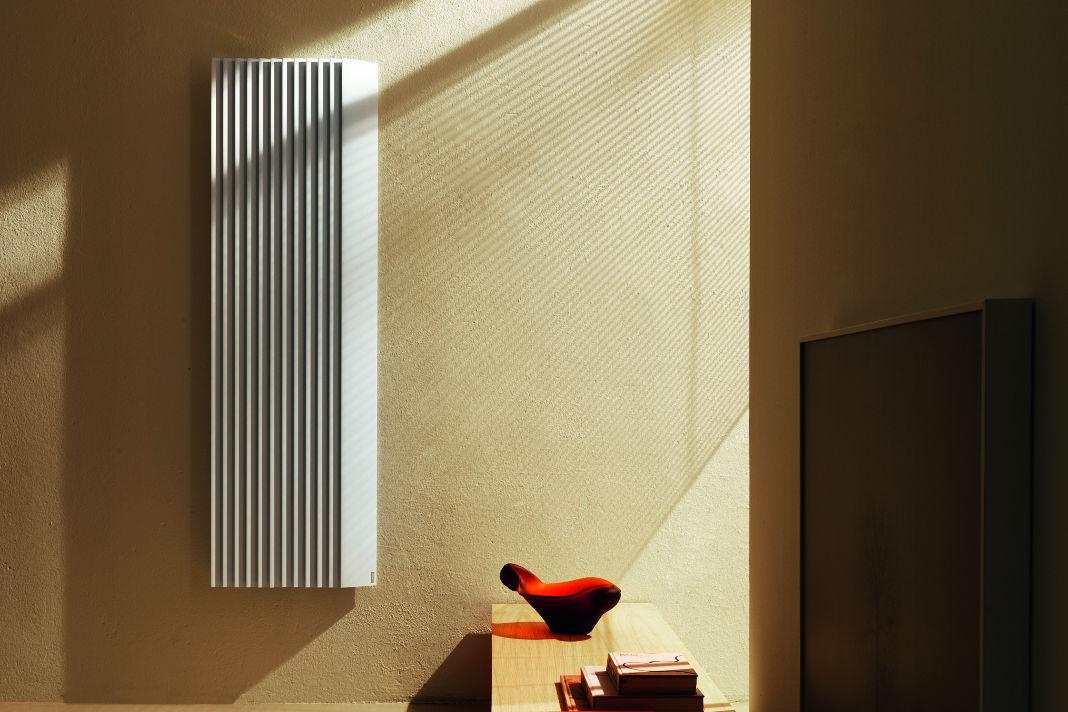 Individuelles Lichtspektakel durch den architektonischen Heizkörper - Max Zambelli/Tubes