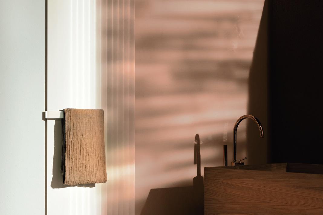 Heizkörper mit Handtuchhalter - Max Zambelli/Tubes