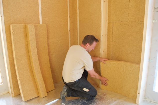 Innere Dämmung des Blockbohlenhauses - vdnr