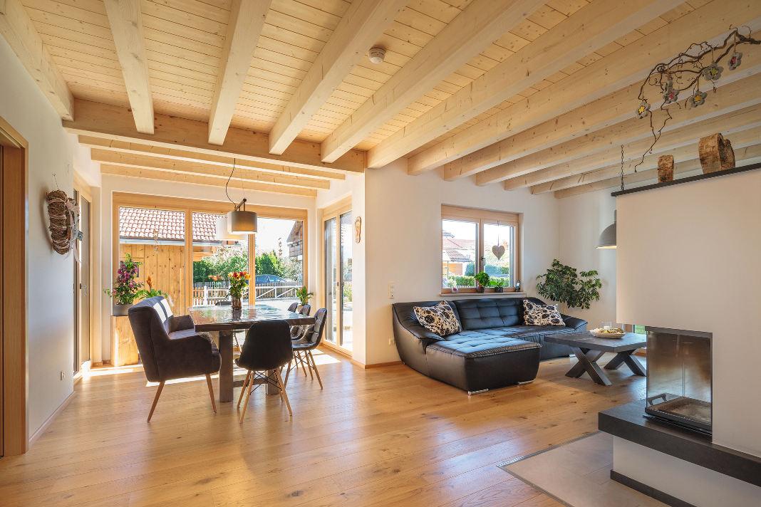 Inneneinrichtung im natürlichen Landhausstil - Isartaler Holzhaus