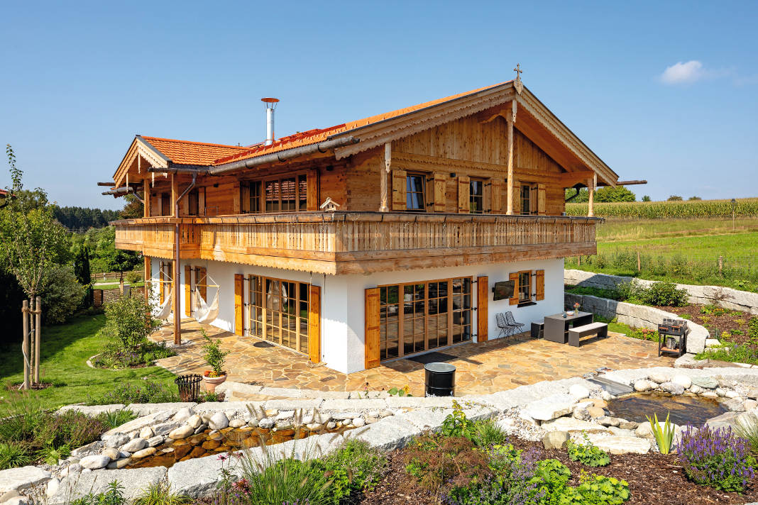 Holzhaus im Landhausstil.