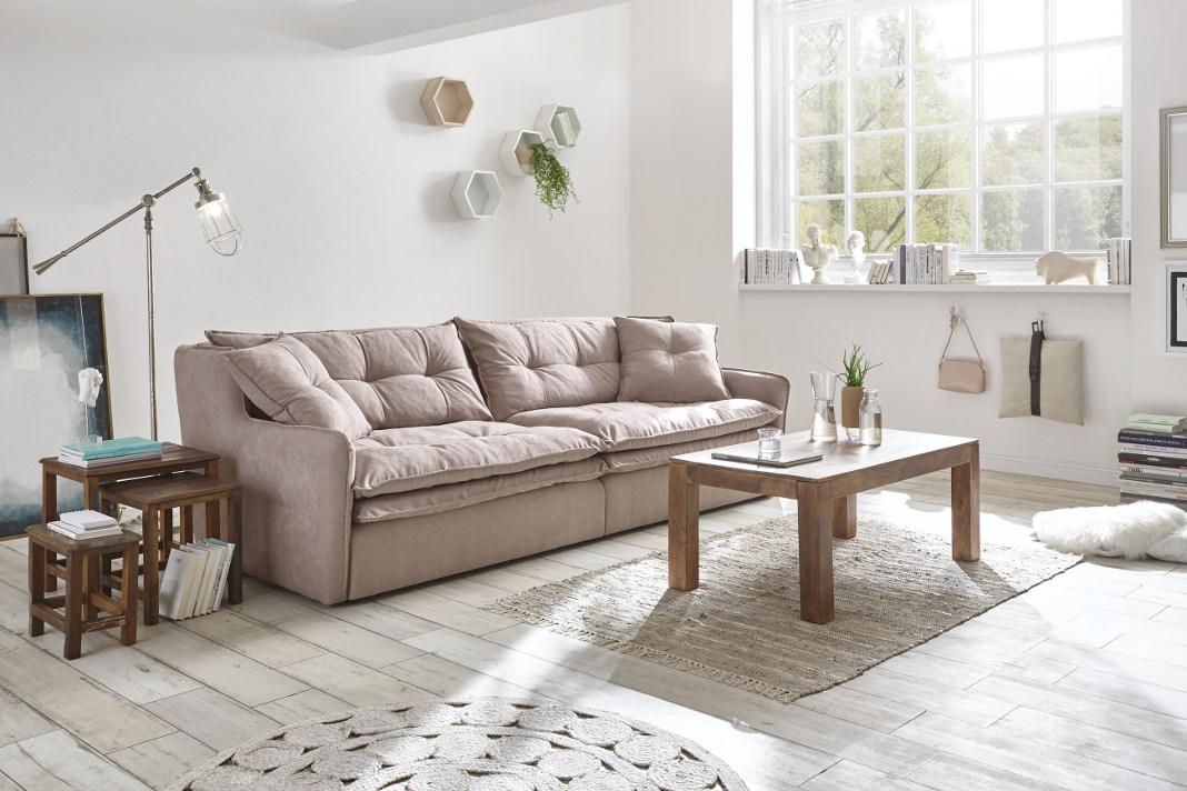 Natürliche Möbel in hellen Farben: Polstersofa Andulo