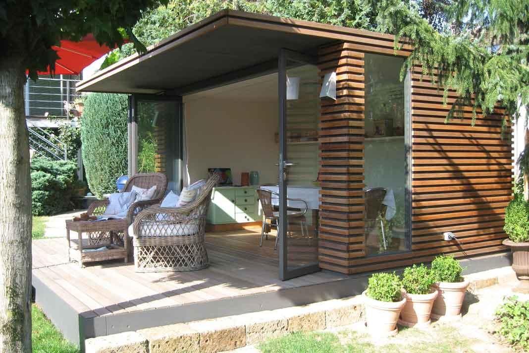 Modernes Design Gartenhaus mit Glasfalttüren