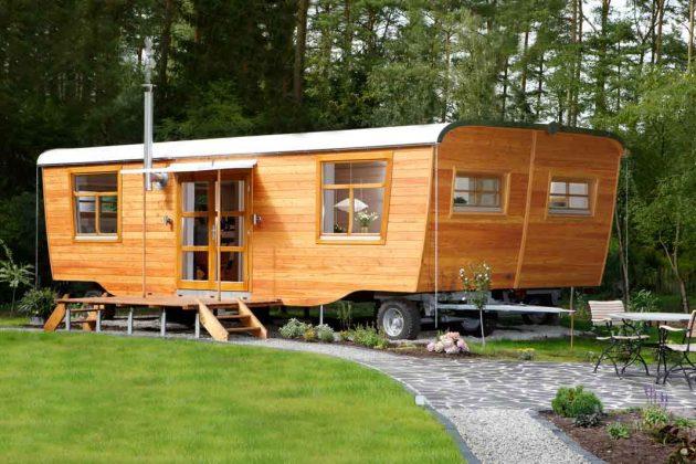 Großes Design Gartenhaus mit knapp 50 Quadratmetern Grundfläche