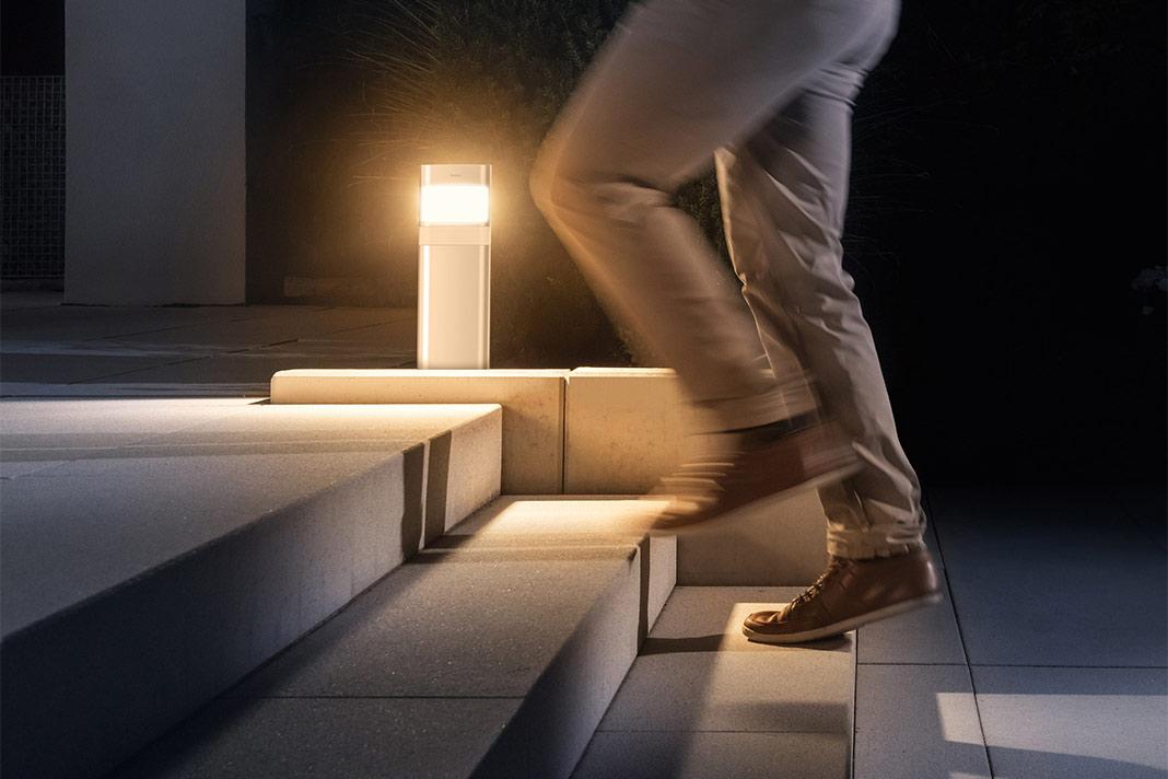 Smart gesteuertes Licht für den Garten
