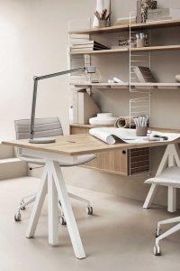 Schreibtisch aus Eiche von String Works.