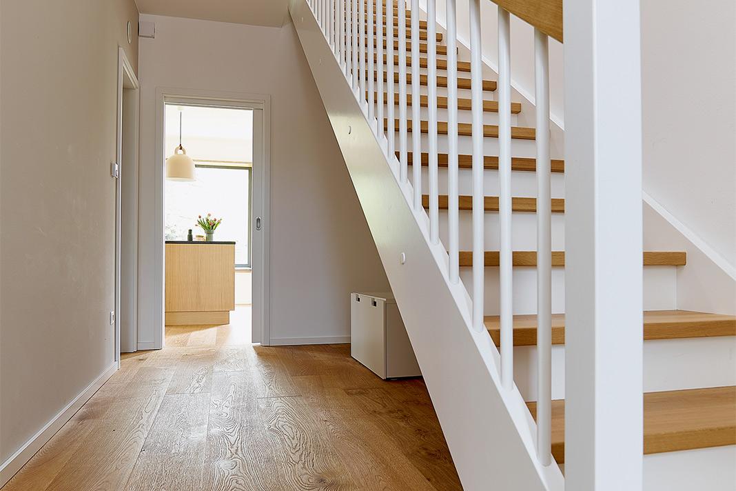 Fußboden und Treppe in Eichenholz - GUSSEK HAUS