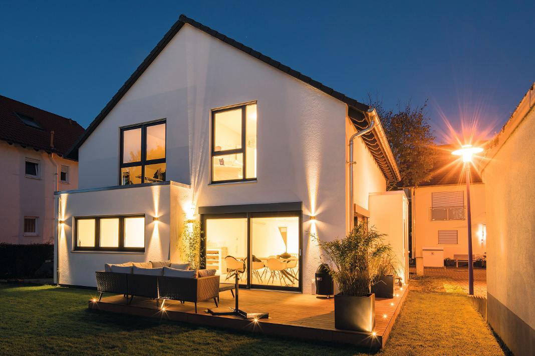 Familienfreundliches Mehrgenerationenhaus inspiriert vom Musterhaus Bad Vilbel - FingerHaus GmbH