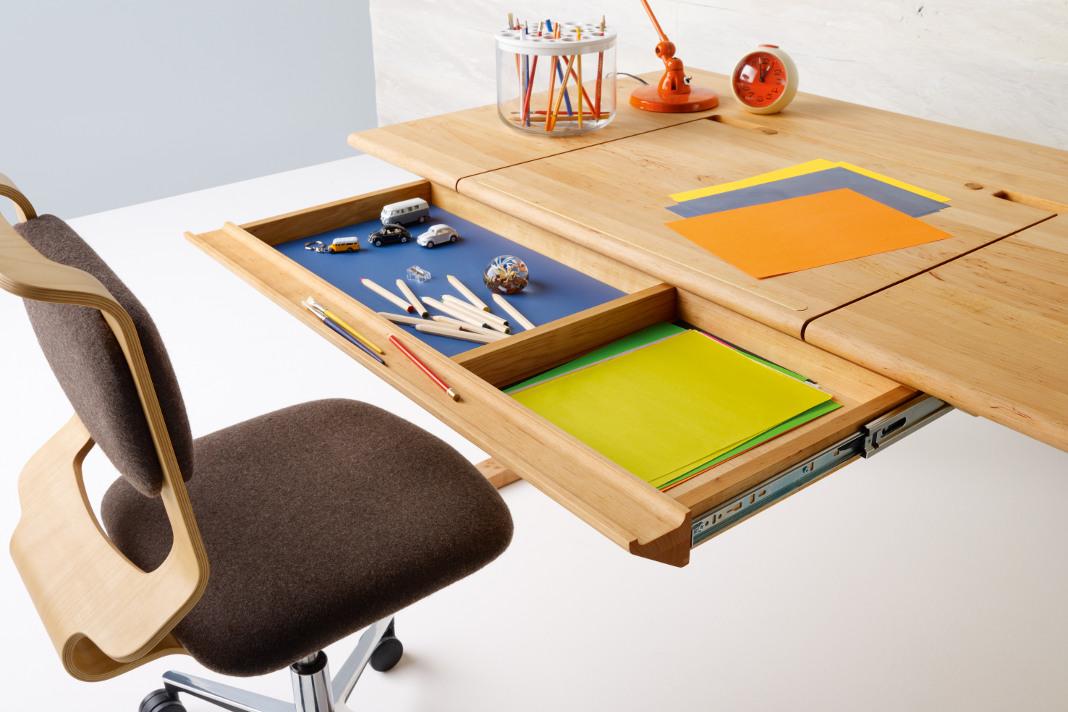 Neue Ideen fürs Kinderzimmer - Schreibtisch mit ausziehbarer Lade - TEAM 7