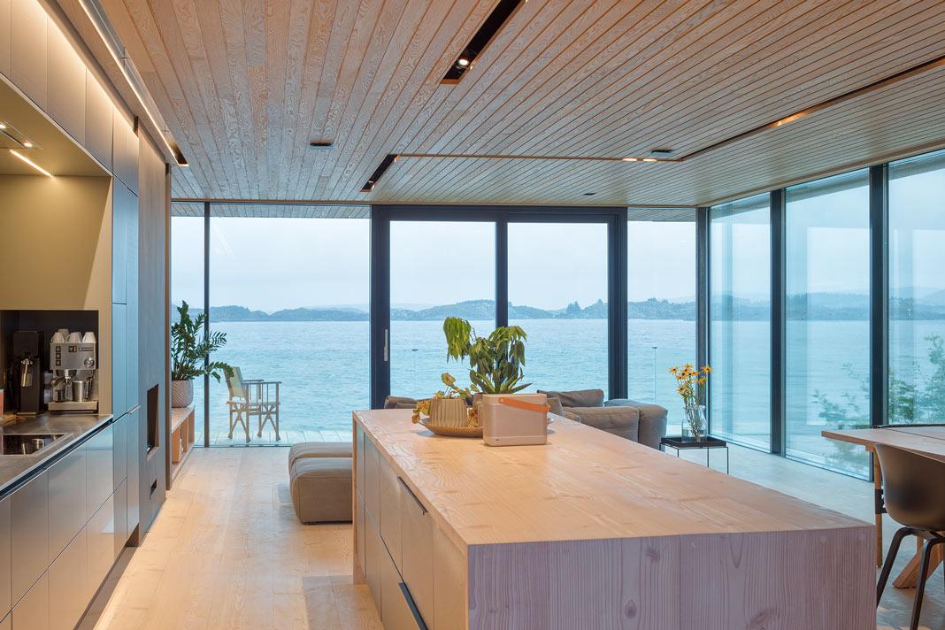Villa im Bauhausstil in Norwegen mit weitem Panoramablick - Schüco