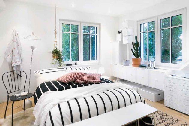 Modernes Schlafzimmer im Modulhaus