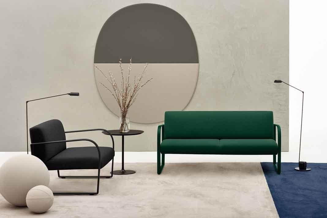 bunte Sessel und Sofas