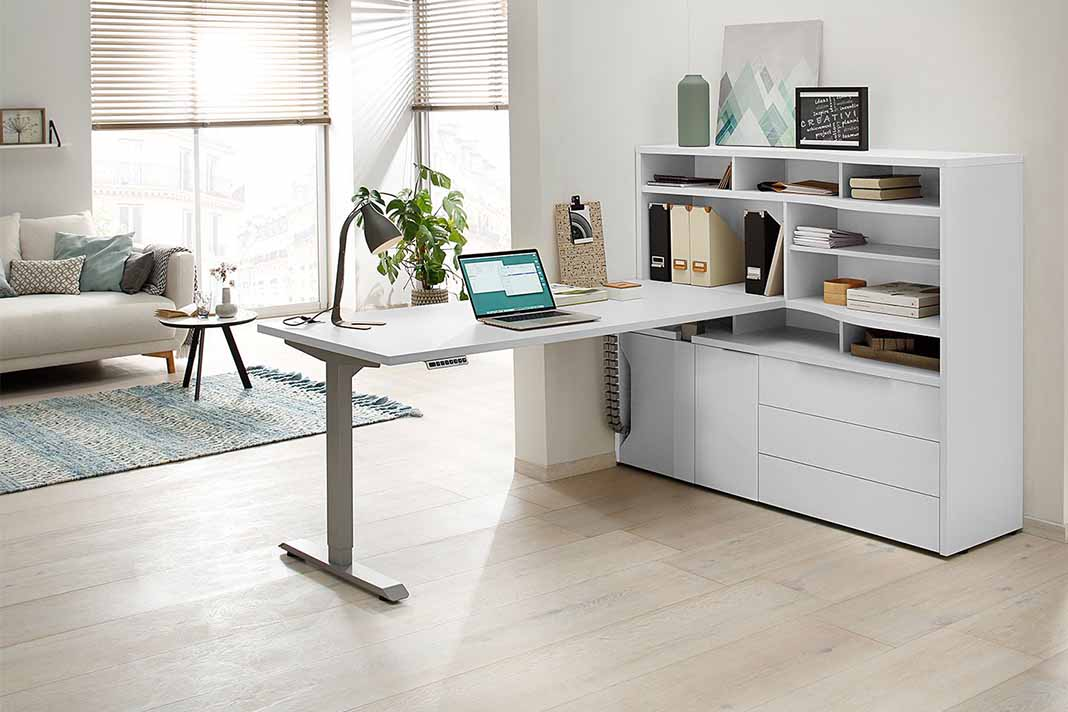 Home Office mit ergonomischen Büromöbeln von Home 24