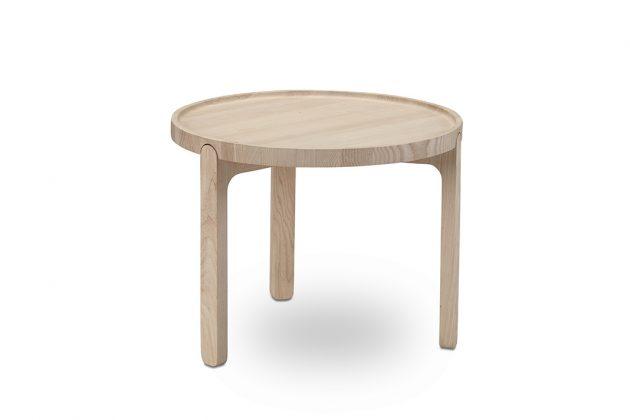 Couchtisch aus Holz im Lagom Design