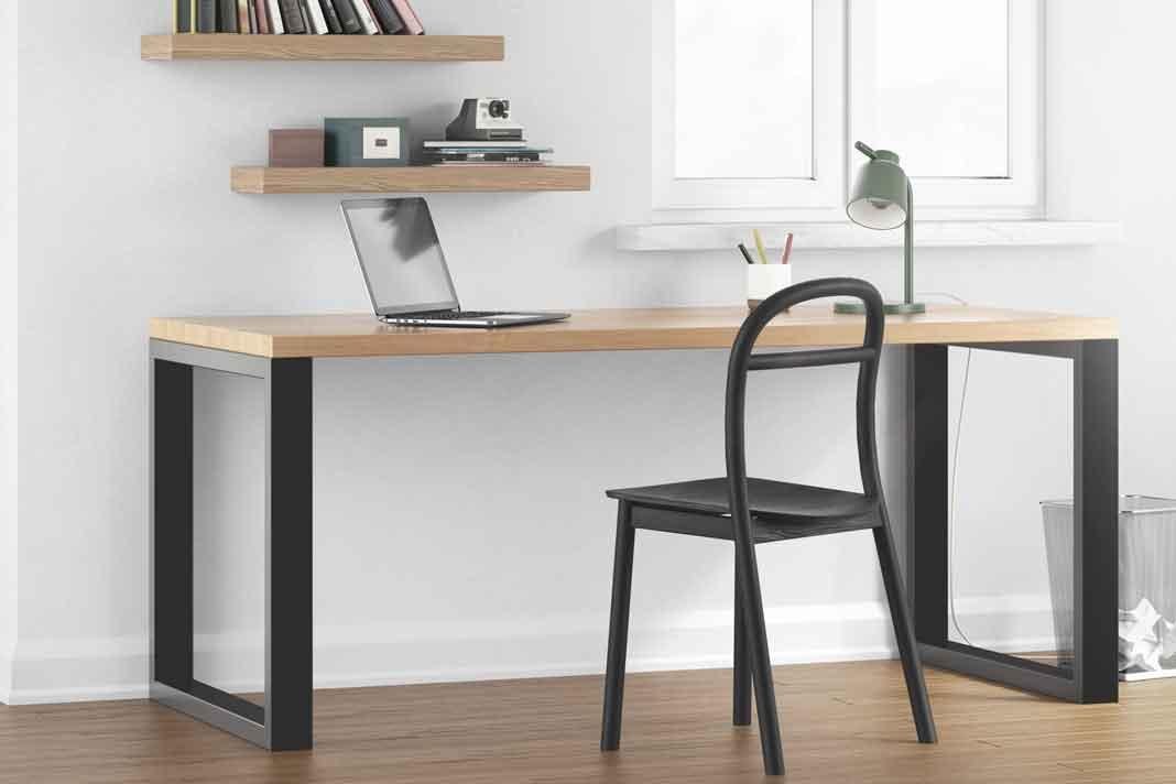moderner Schreibtisch aus Massivholz