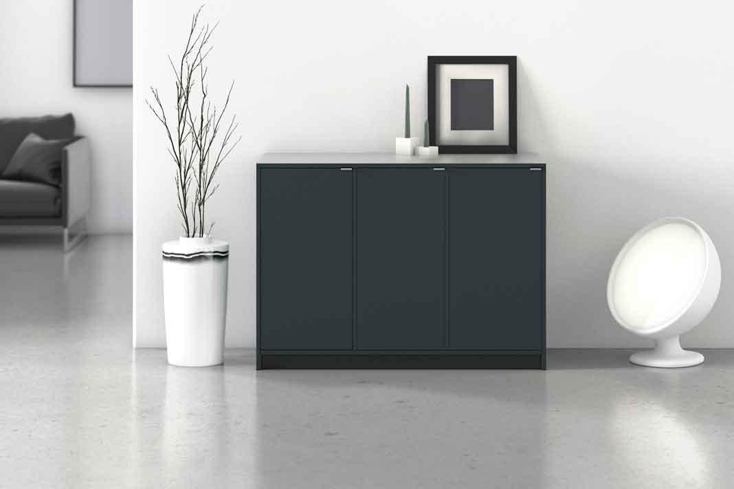 modernes, schwarzes Sideboard aus Massivholz