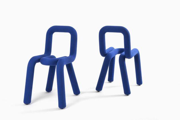 Pantone Farbe des Jahres 2020 Stühle