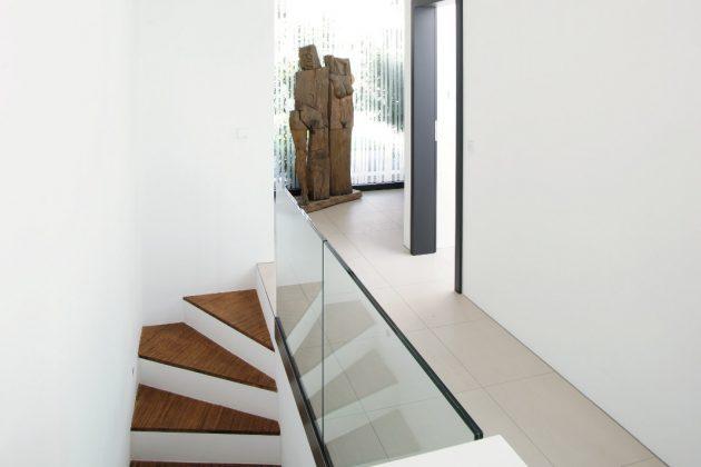 Einliegerwohnung im Untergeschoss - Atrium-Bungalow - Thomas Meese