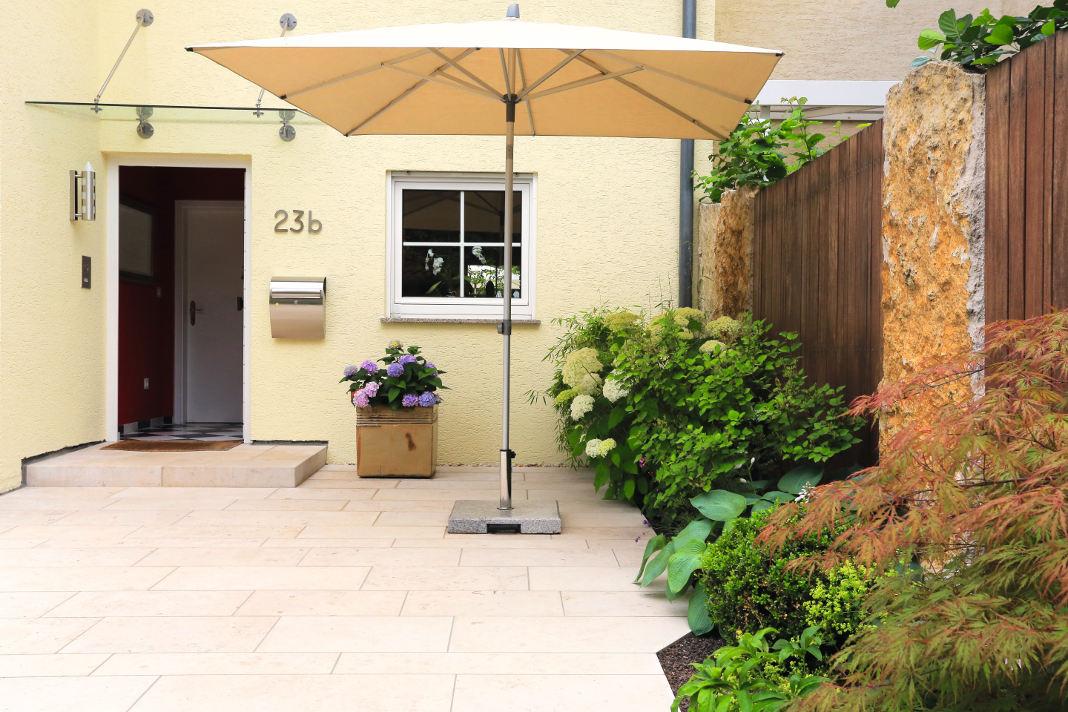 Vorgarten mit viel Platz - Gärtner von Eden - Gartenumgestaltung