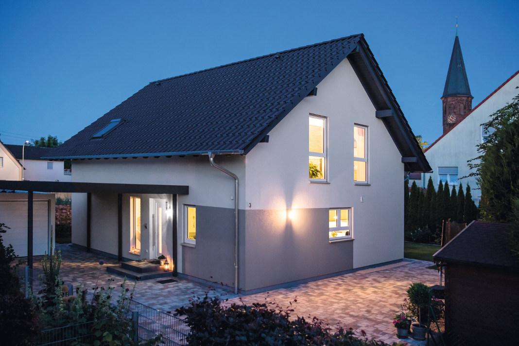 Individuelles Satteldachhaus von FingerHaus GmbH - VIO 420