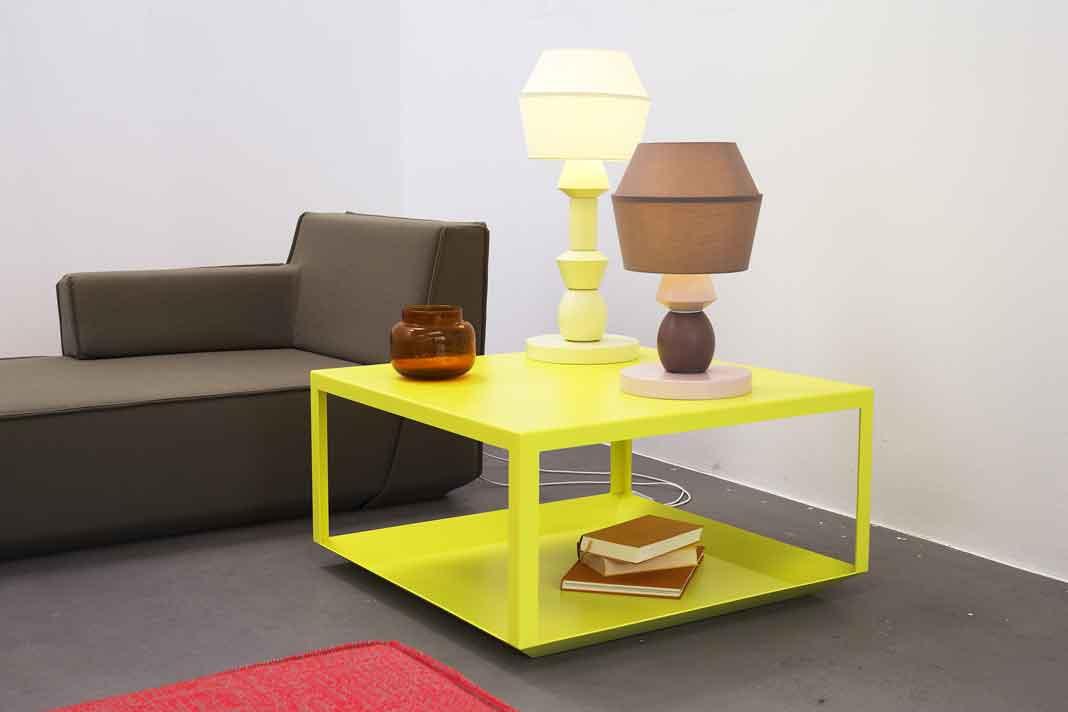 Minimalistischer Cubit Couchtisch in Gelb