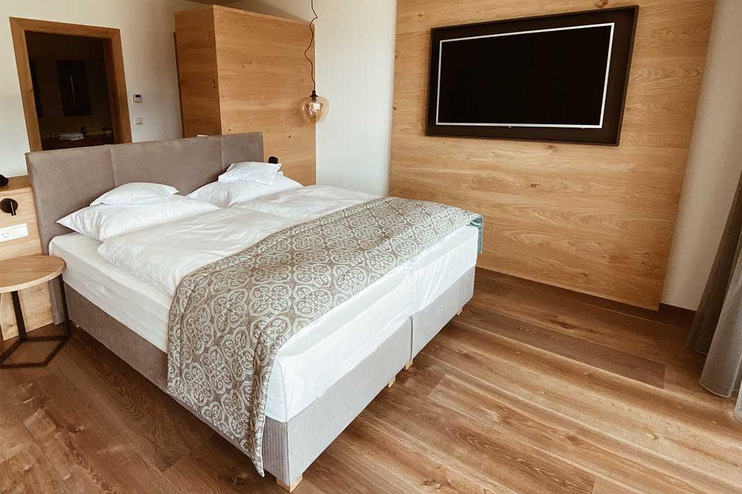 Schlafzimmer Einrichten 7 Tipps Fur Eine Naturliche Einrichtung Livvi De