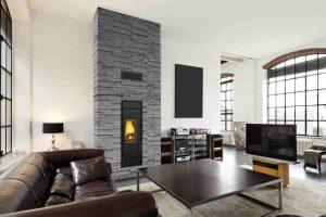 """Schiedel Kingfire Kamin """"Grande S"""" in modernem Wohnzimmer"""