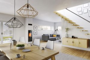 Schiedel Kingfire Kamin in einem modernen, hellen Wohnzimmer