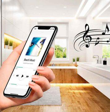 Spiegel mit Soundsystem