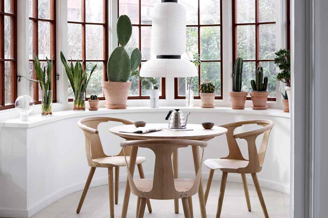Skandinavische Möbel Esstisch mit Stühlen