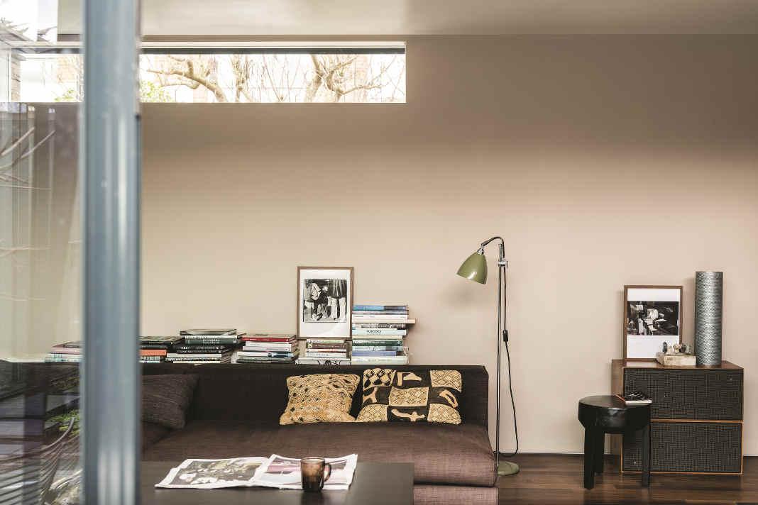 Wohnzimmer in Trendfarbe 2021 Jitney von Farrow & Ball