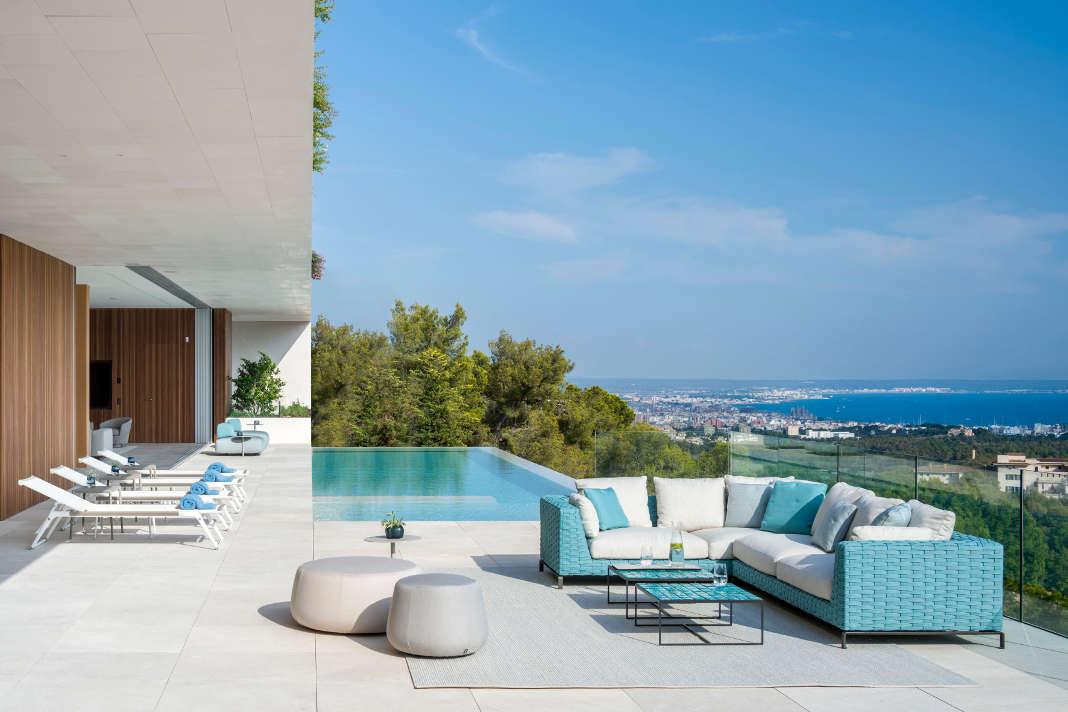 Aussenpool - zeitgenoessische Luxusvilla - Terraza Balear/ Mauricio Fuertes