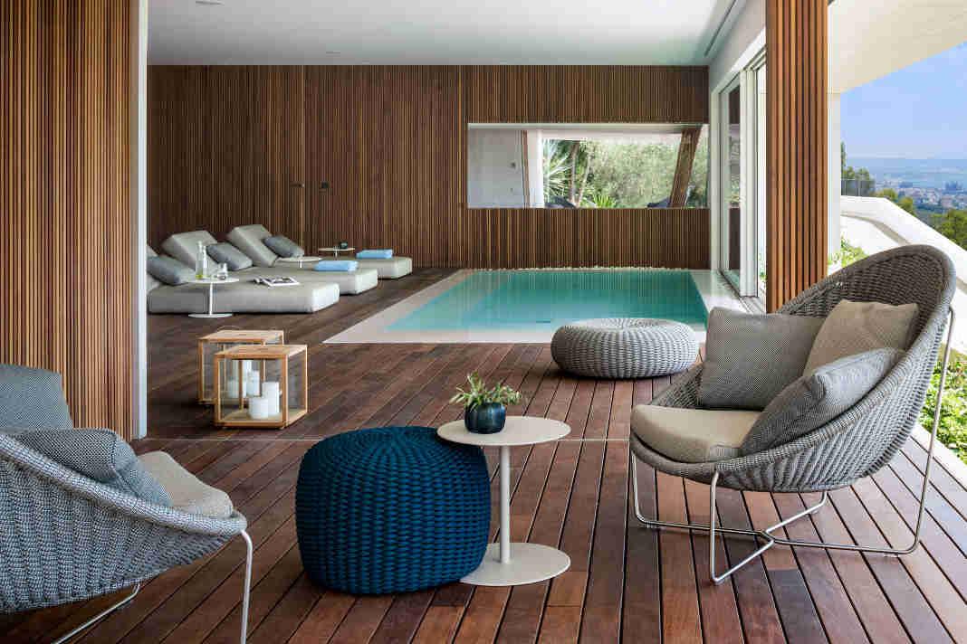 M16 Luxusvilla - Indoorpool mit Einrichtungskonzept von Terraza Balear - Mauricio Fuertes