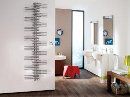 Design Badheizkörper Zehnder Yucca in einem Badezimmer